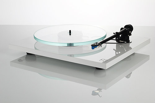 sound colors la nouvelle platine vinyle rega planar 3 arrive en france d but juin 2016. Black Bedroom Furniture Sets. Home Design Ideas